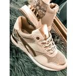 Sneaker Judy