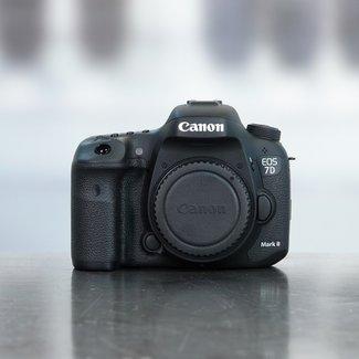 Canon Canon EOS 7D mark II (22.000 Clicks)
