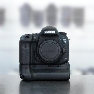 Canon Canon EOS 7D mark II  + grip nr. 3943