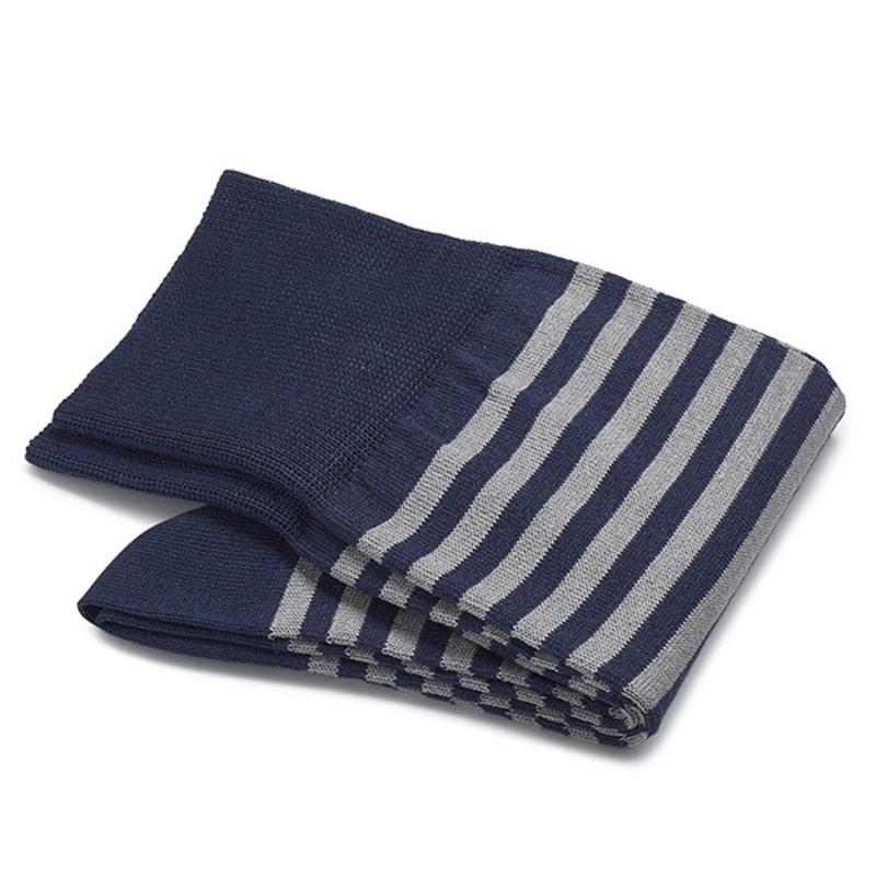 Königsblaue gestreifte Socken