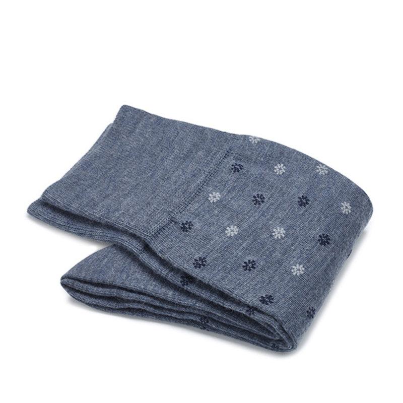 Hellblaue Socken mit Blumen Merino Wolle