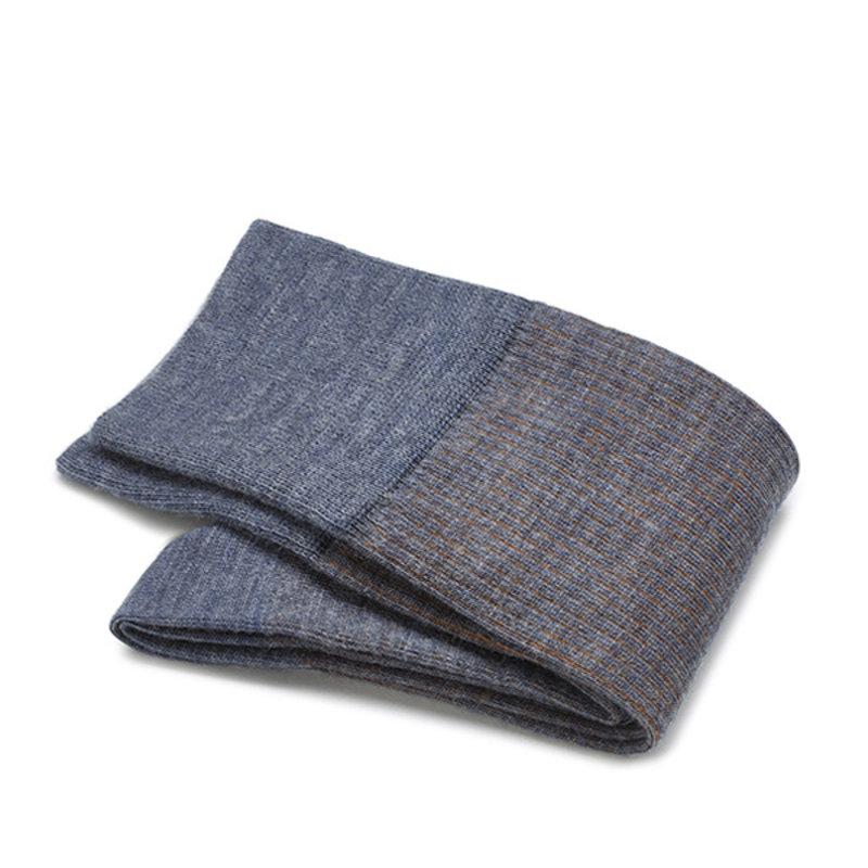 Hellblaue shadow Socken Merino Wolle