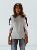 The Driftwood Tales The Driftwood Tales - Sweatshirt- AMY - gemaakt van 4 verschillende gerecyclede stoffen - lichtroze, denim, grijs,