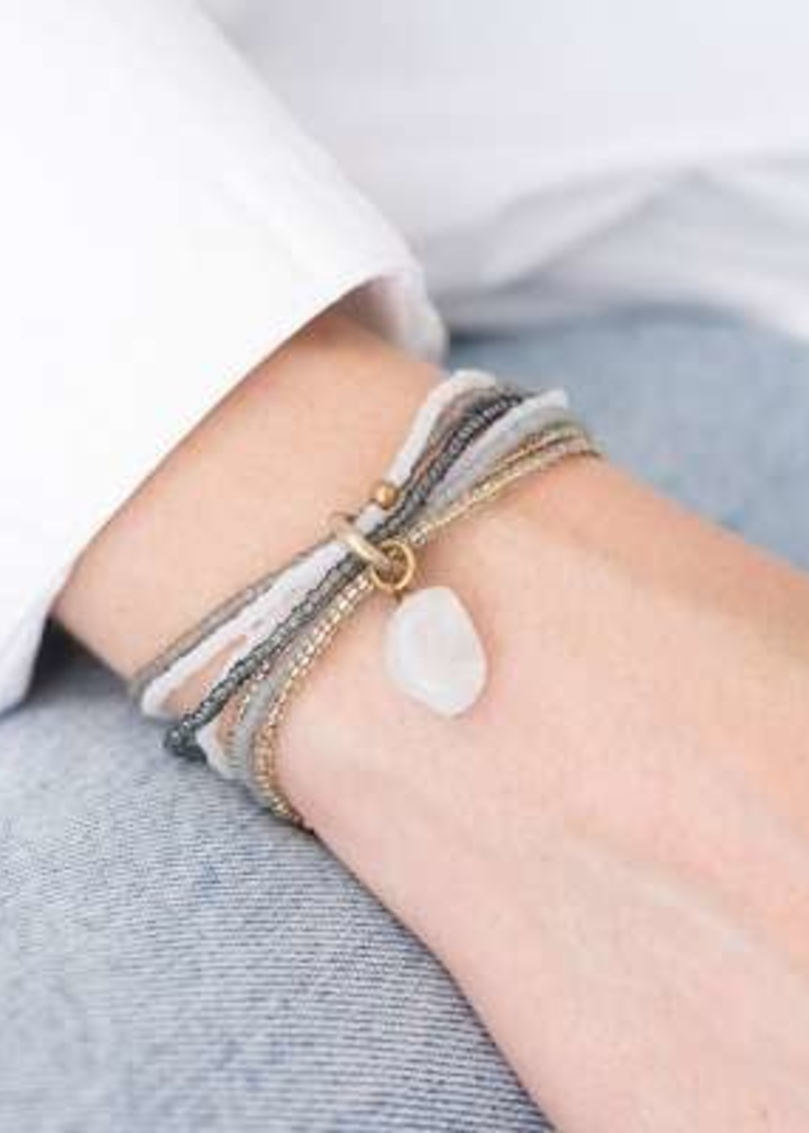 A Beautiful Story Nirmala Maansteen Goud Armband