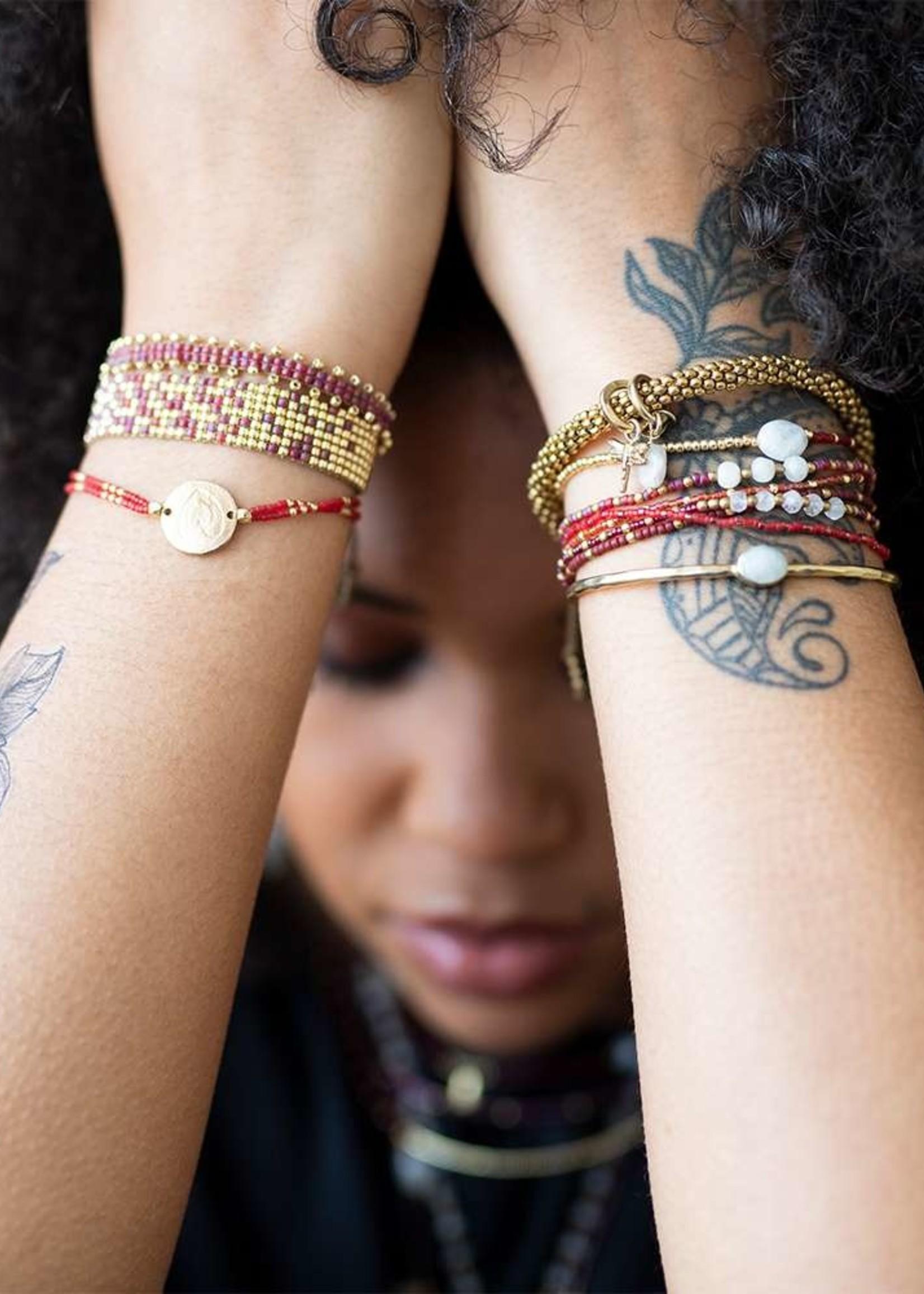 A Beautiful Story a Beautiful Story - Treasure Maansteen -  Goud Armband