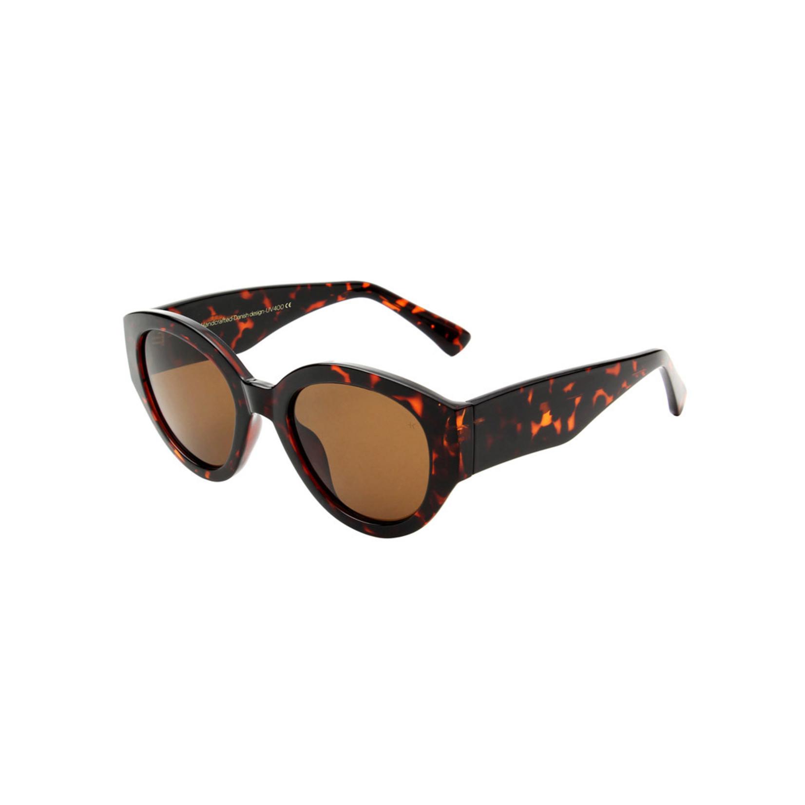 Kjearbede Kjearbede zonnebril Big Winnie Demi Turtoise/ KL2105-001
