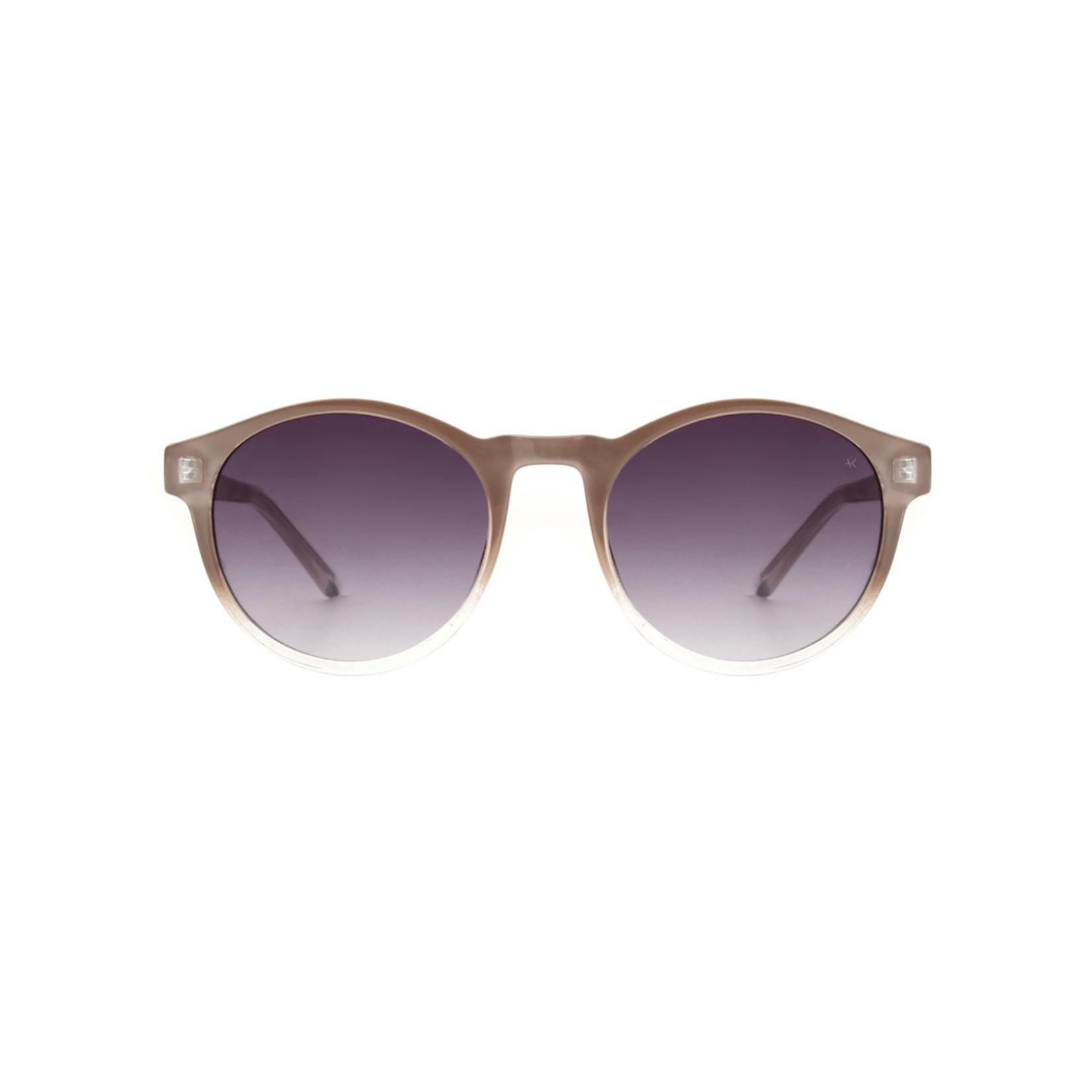 Kjearbede Kjearbede zonnebril Marvin Light Grey/Crystal/KL1708-11