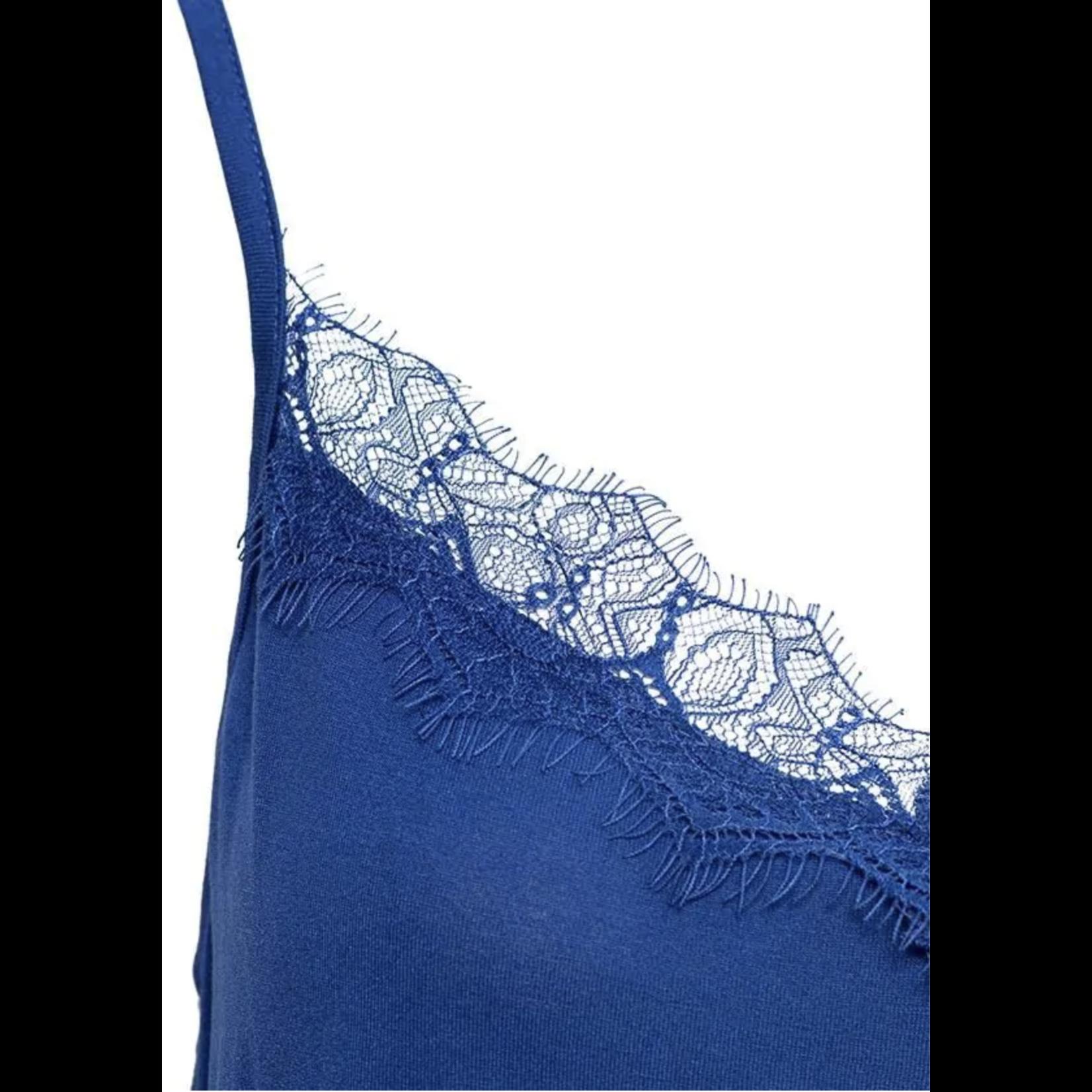 & Co &CO Woman Violet Lace Top Kobalt