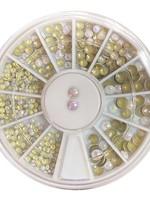 Caja de diamantes de perlas de diferentes tamaños