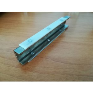 Wing with sliding strip