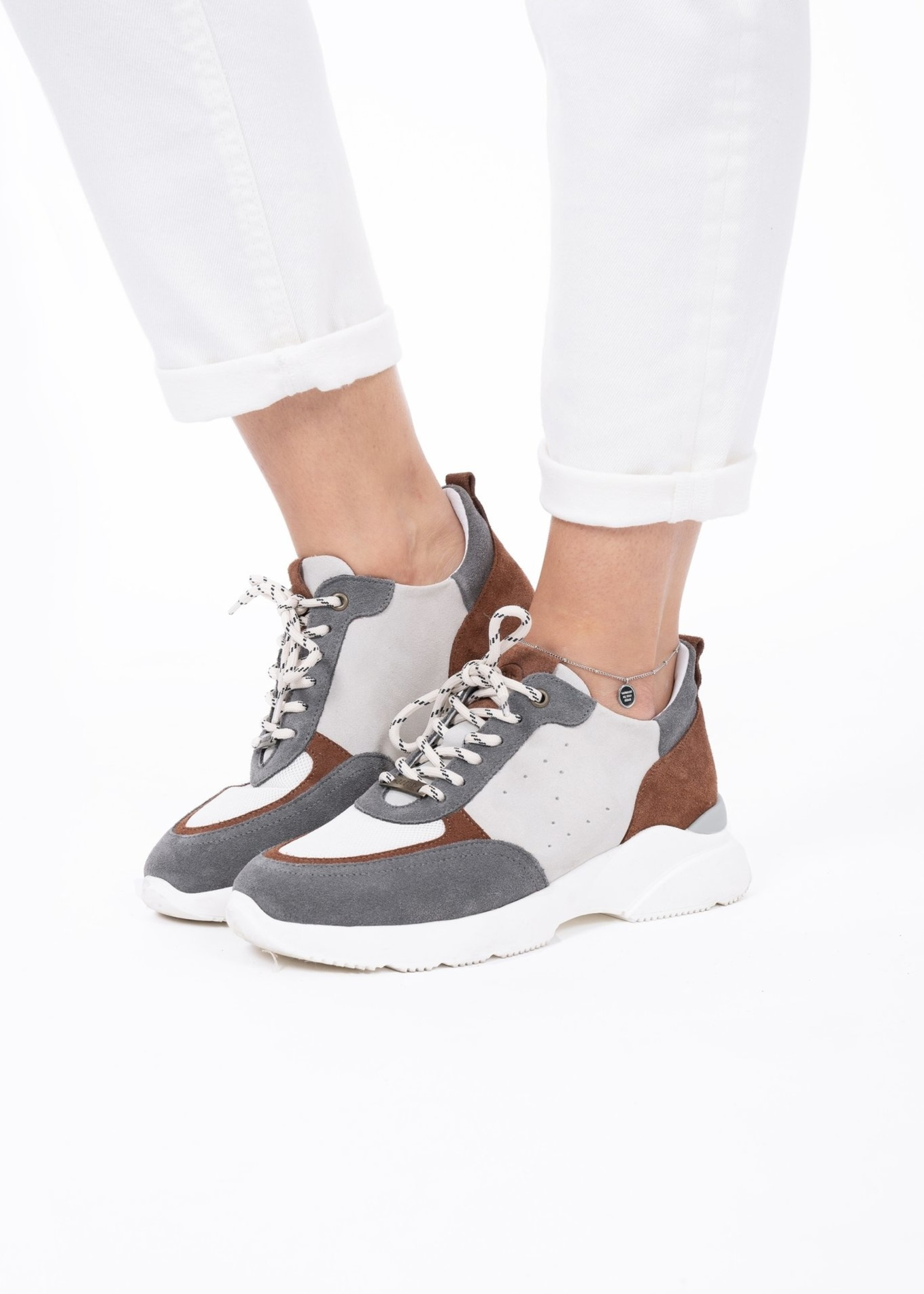 ZUSSS Gave sneaker gekleurd