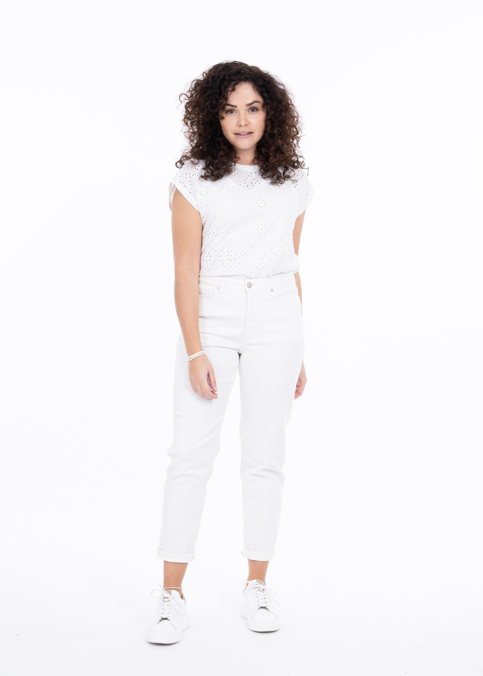 ZUSSS trendy mom jeans off white