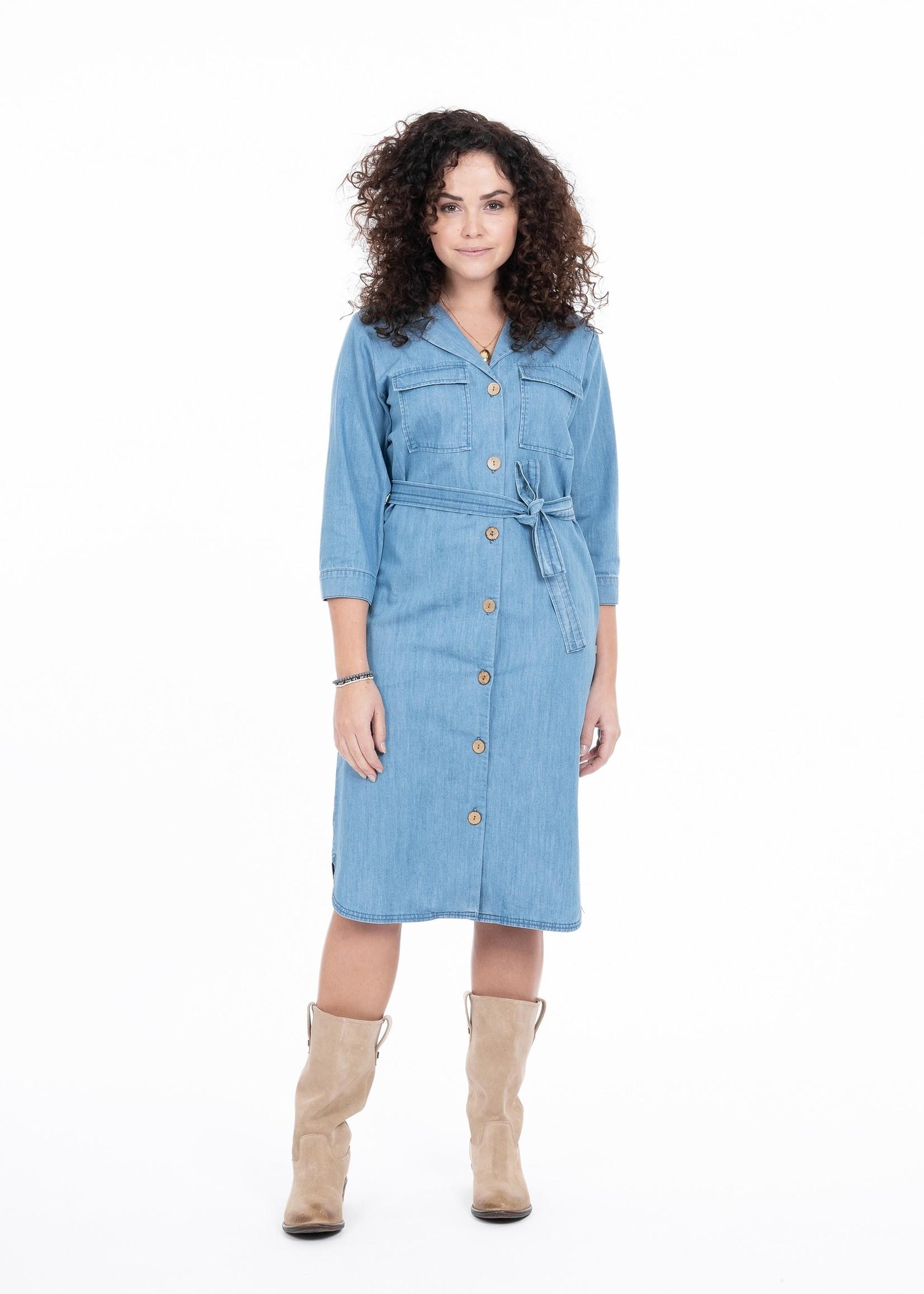 ZUSSS doorknoopjurk jeans lichtblauw