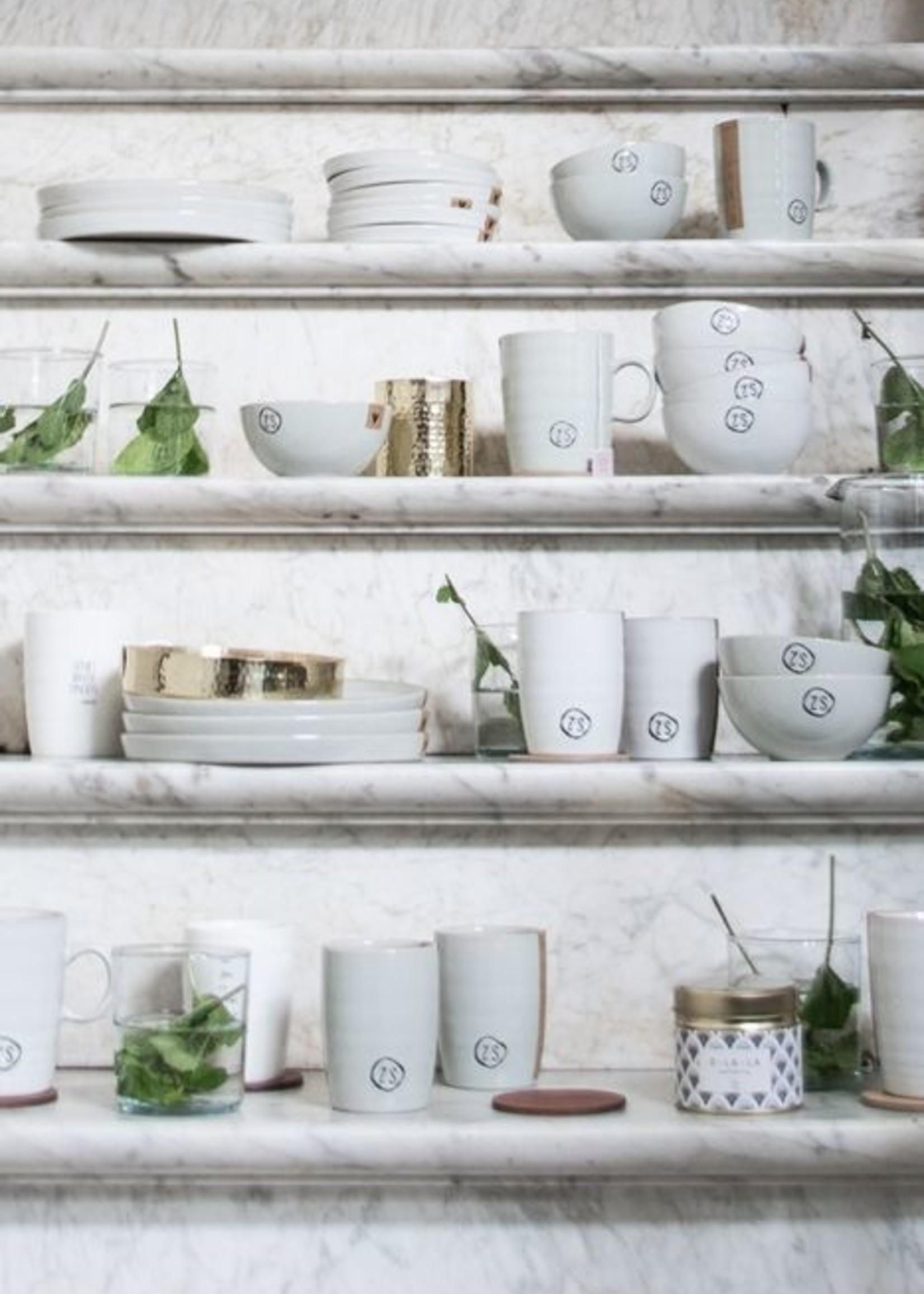 ZUSSS schaal L aardewerk wit