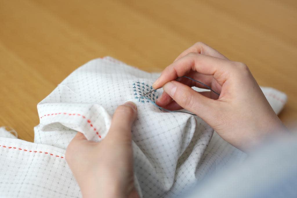 Daruma Daruma-Ito Sashiko Needle Set