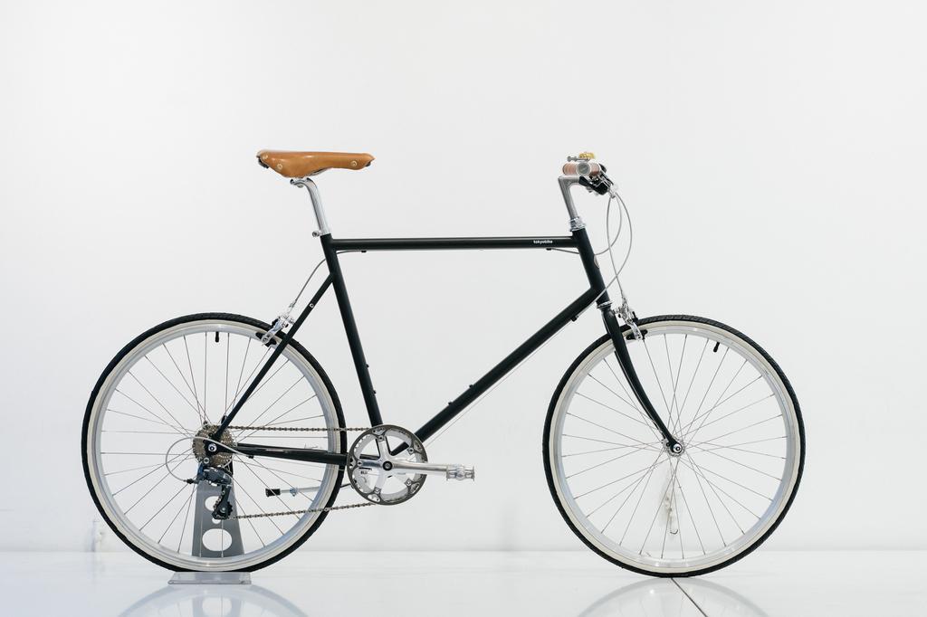 Gilles Berthoud Gilles Berthoud - leather saddle ASPIN