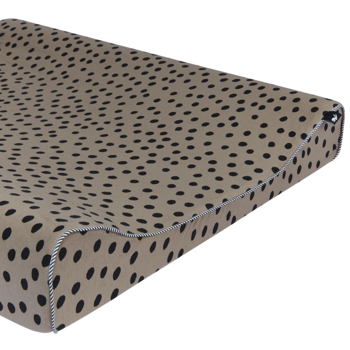 Mies & co aankleedkussenhoes bold dots dark brown-1