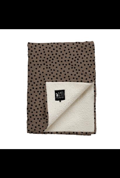 Mies & co teddy wiegdeken bold dots dark brown