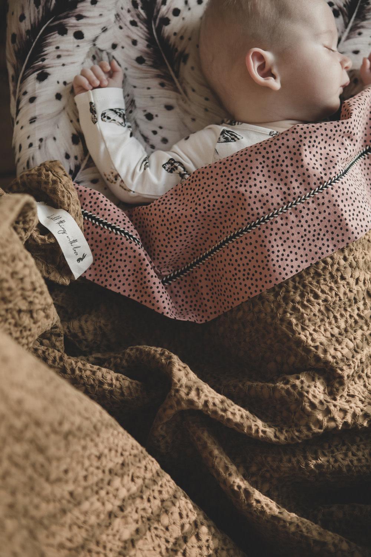 Mies & Co ledikant laken cozy dots redwood-3