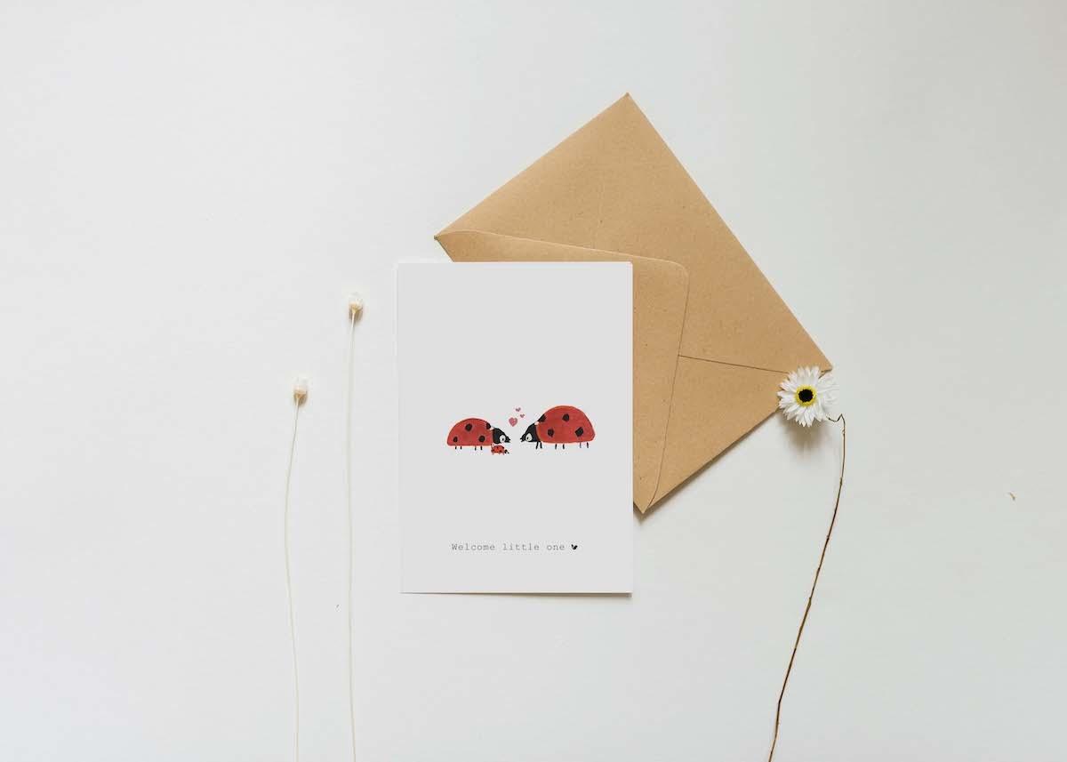 Nadine's illustraties wenskaart welcome little one lieveheersbeestje-2