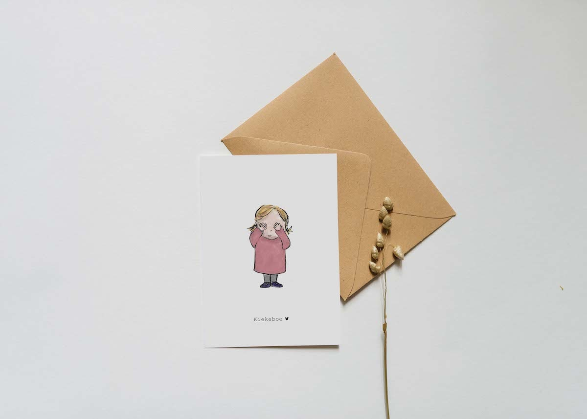 Nadine's illustraties wenskaart kiekeboe meisje-2