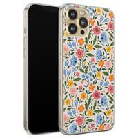 Telefoonhoesje Store iPhone 12 siliconen hoesje - Romantische bloemen