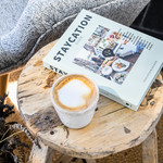 Your Little Black Book Boek - Staycation Guide