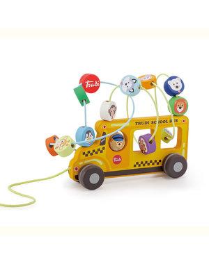 Schoolbus met kralendoolhof
