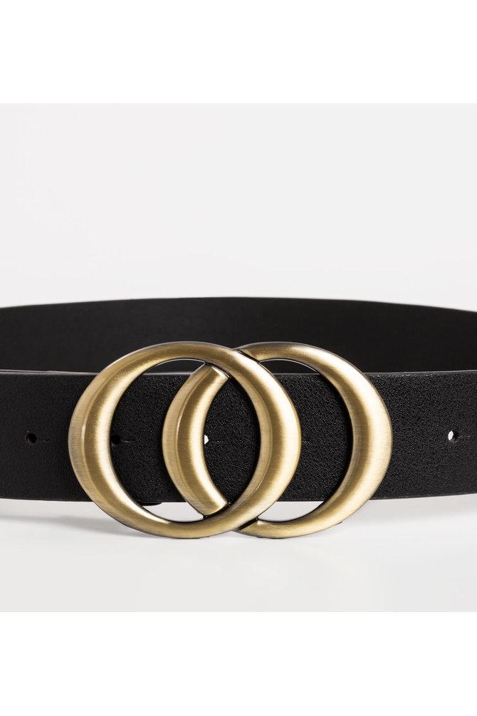 Zwarte riem met ringen