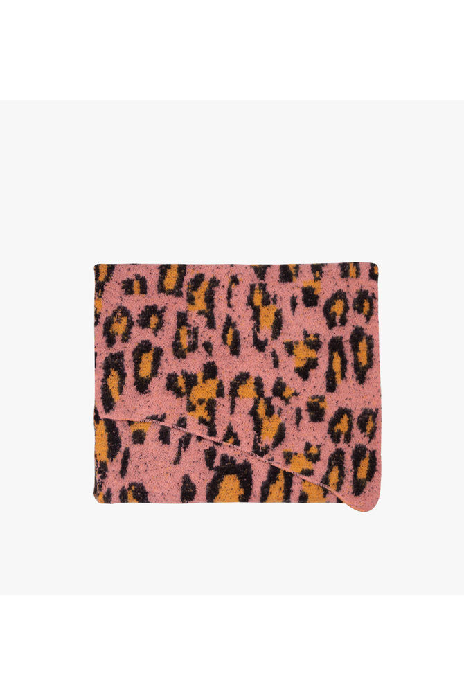 Roze luipaard sjaal
