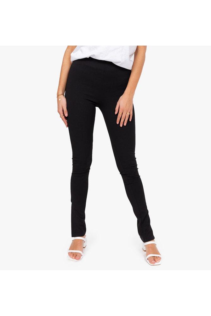 Zwarte broek met split