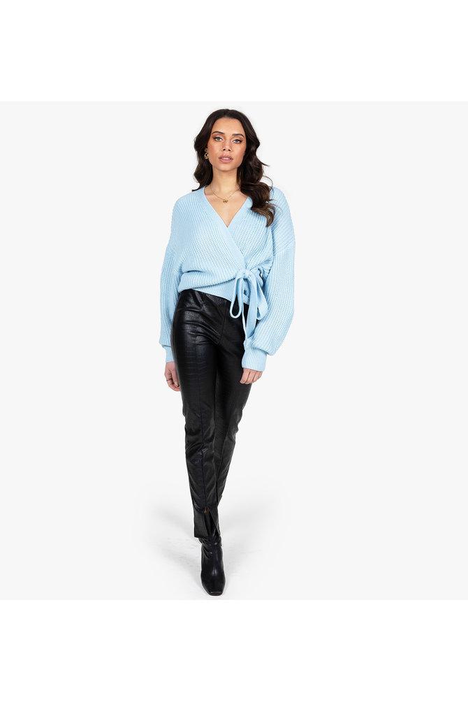 Blauwe wikkel trui