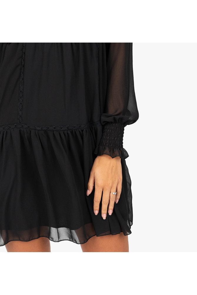 Zwarte crochet jurk