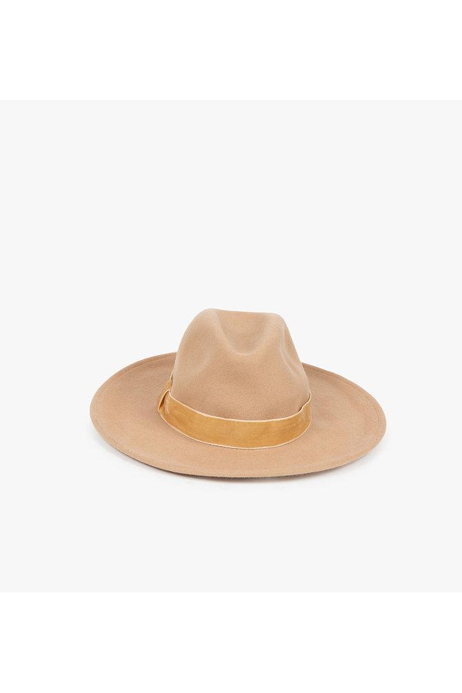 Bruine fedora hoed