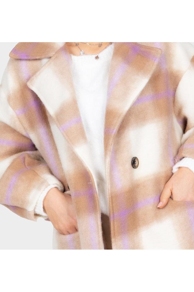 Bruine geruite mantel