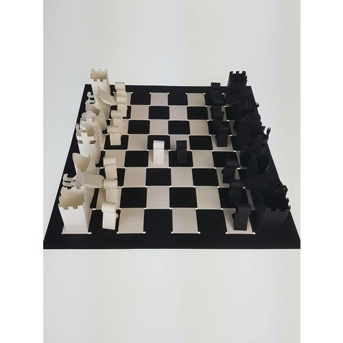 Folding plate chess game