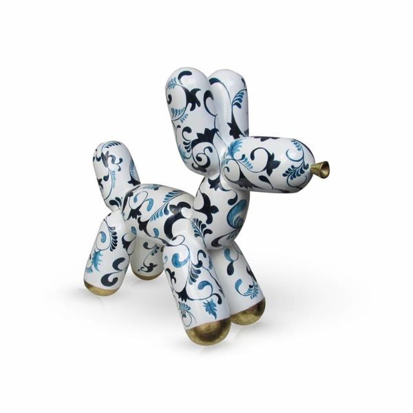 Delft blue balloon dog with gold accent