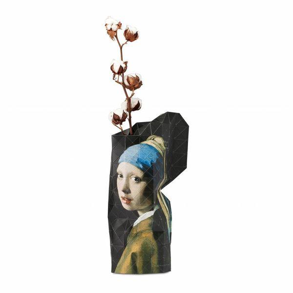 Vase en papier fille avec la perle