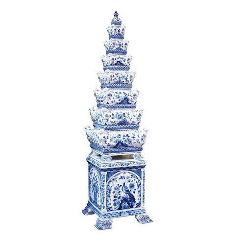 Spectaculaire, le vase pyramidal unique