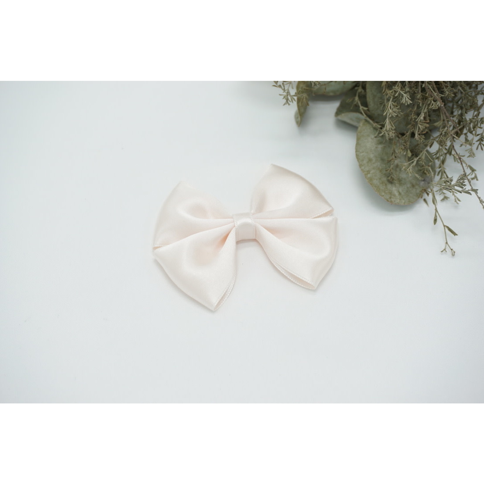 Satin Bow - Old Lace