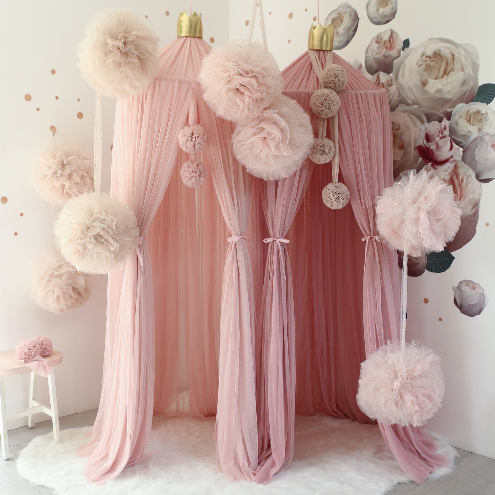 Large Sparkle Pompom Light Pink