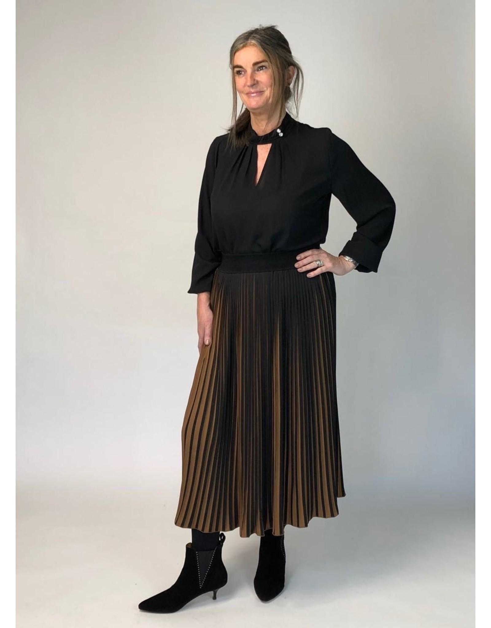 Peruzzi Mid Length Plisee Skirt