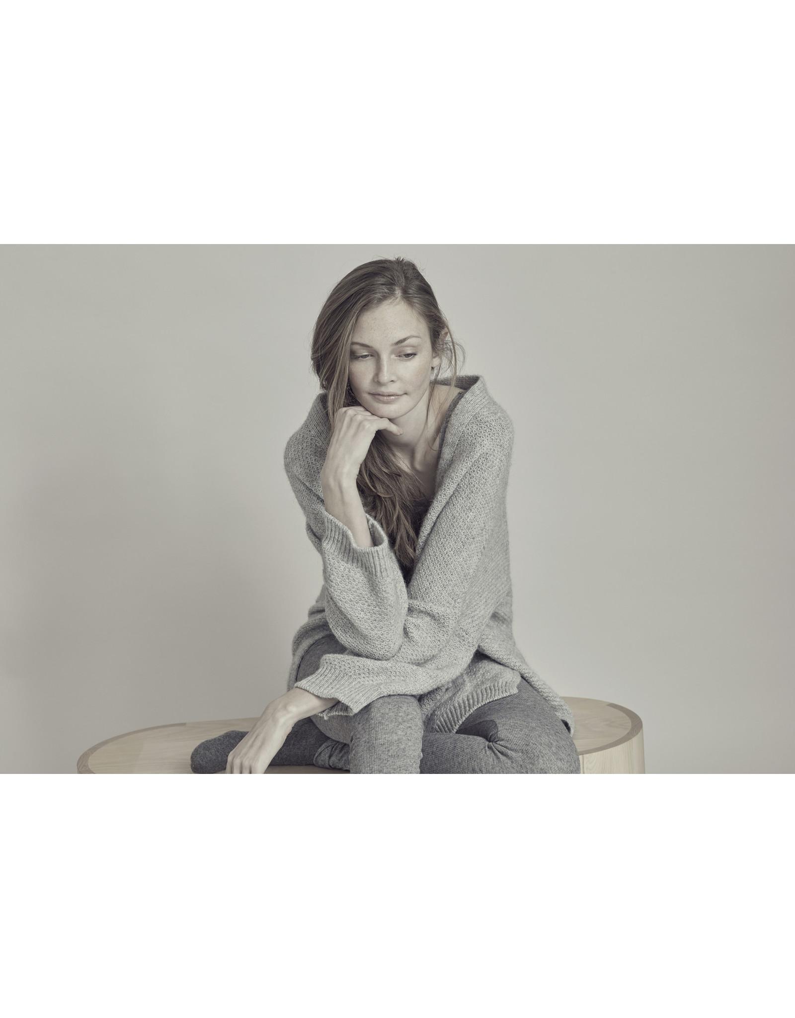 Gai & Lisva Charlotte - Supersoft Non Itch Wool & Alpaca Edge to Edge Cardi