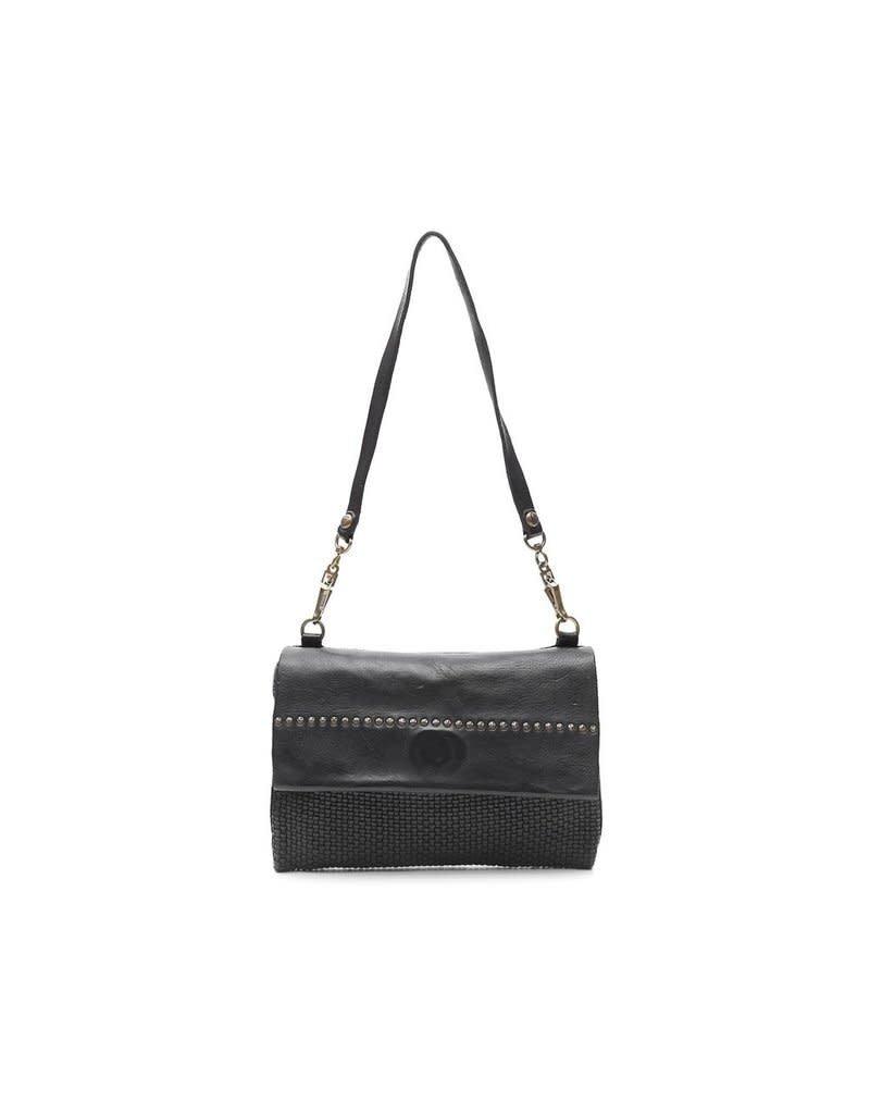 Campomaggi Genuine Leather. Pochette. Thin woven + Studs. Black.