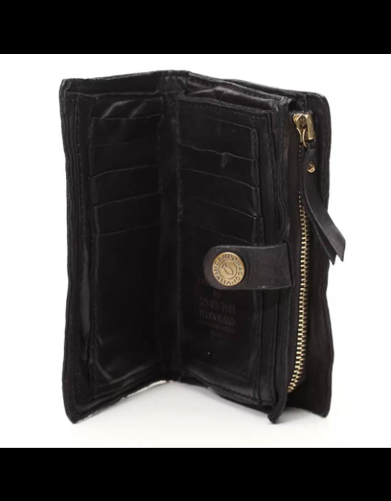 Campomaggi Wallet. Genuine Leather w Bella Di Notte Studs. Black.