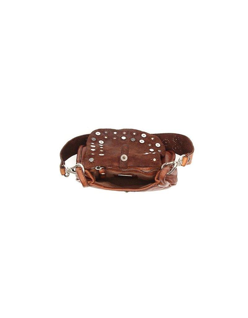 Campomaggi Crossbody w Studs avena? Small. Genuine leather. Cognac.