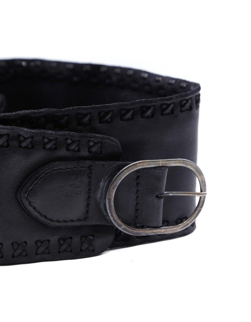 Campomaggi Band Belt. Genuine leather. Threading. Nero.