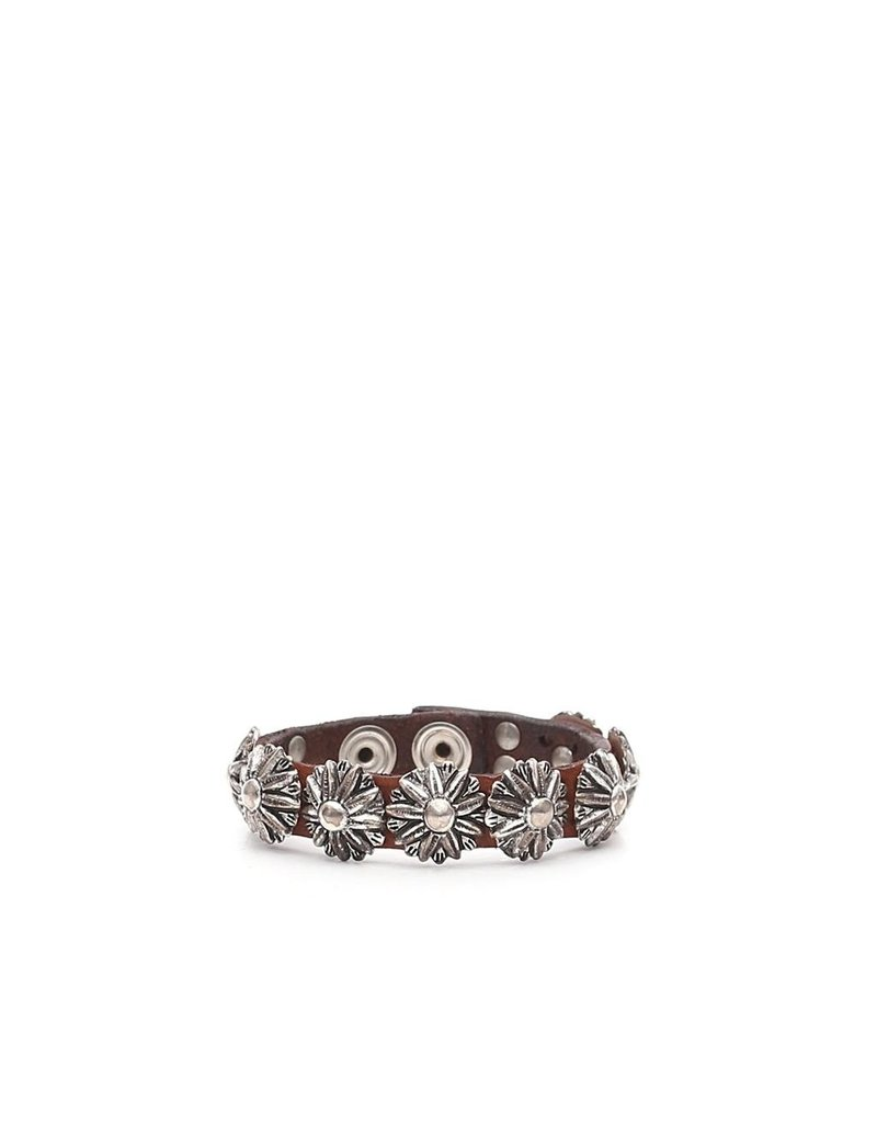 Campomaggi Bracelet. Genuine leather. Flower Studs. 1.5CM wide. Red.