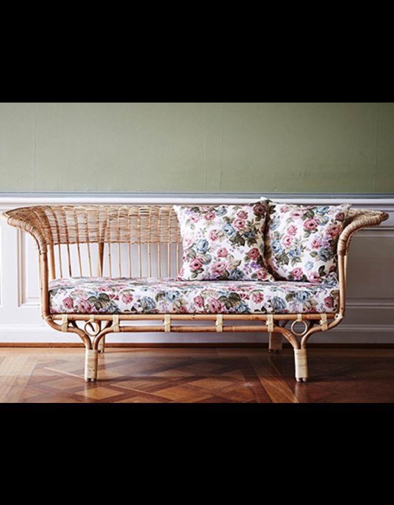 Icons Belladonna sofa by Franco Albini. Skin-on Natural.