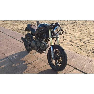 Unieke Ducati Caferacer op basis van Monster M600 DARK